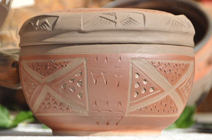 artemisia-keramik.de Der Ton macht die Musik, der Rauch schafft die Atmosphäre.