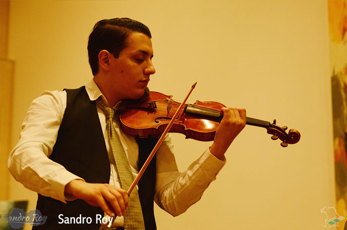 sandro-roy.com Sandro Roy Jazz and Classical Violinist